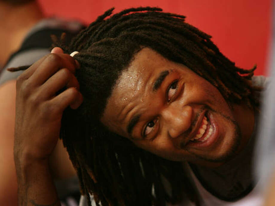 Jordan Hill will head to Las Vegas to work on his skills in the summer league. Photo: Mayra Beltran, Chronicle