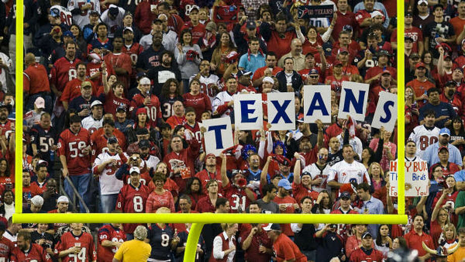 The Texans never have made the playoffs, but that hasn't kept them from selling out every game in their eight years. Photo: Smiley N. Pool, Chronicle