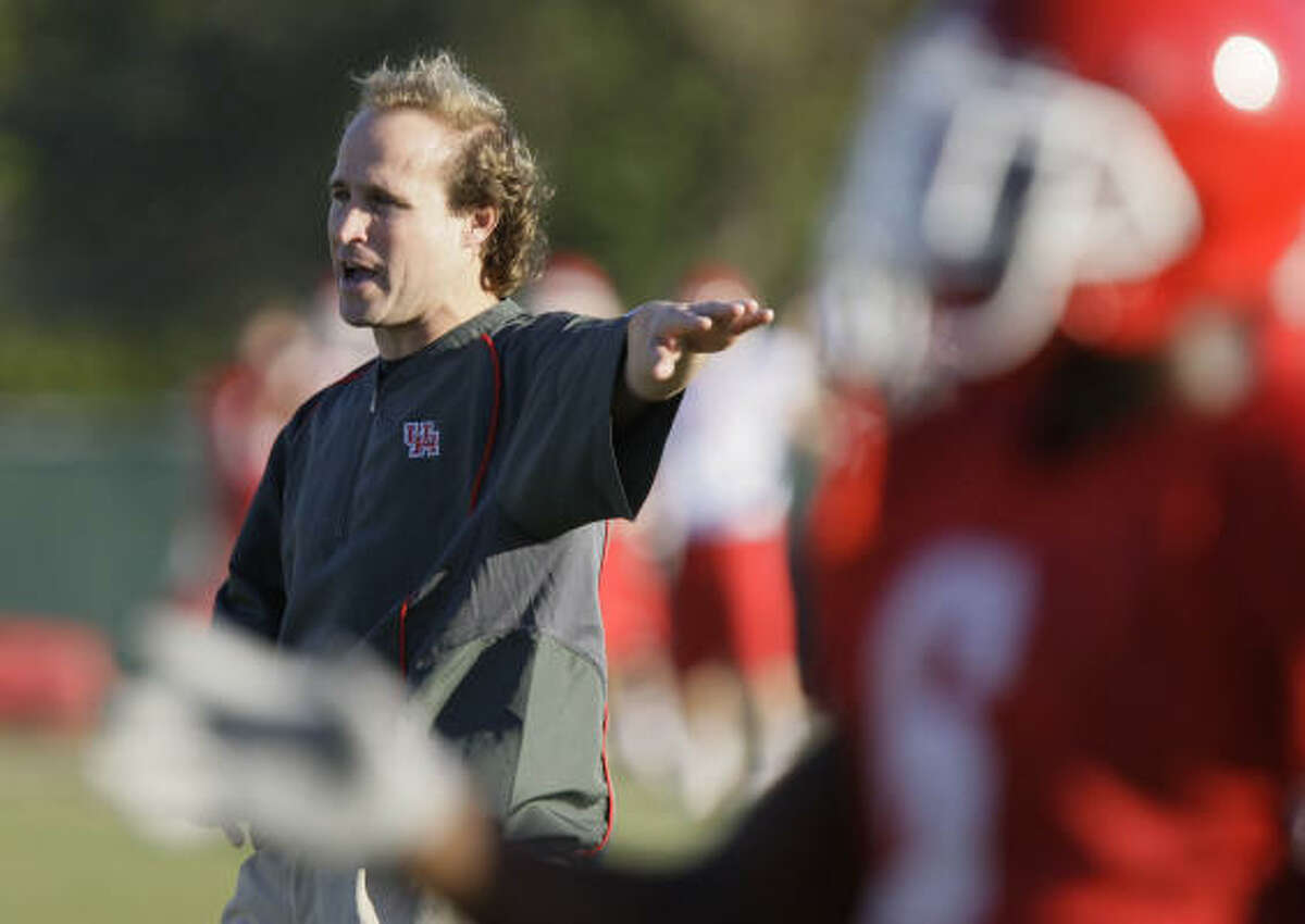 UH offensive coordinator Dana Holgorsen gained his perspective under Texas Tech's Mike Leach.