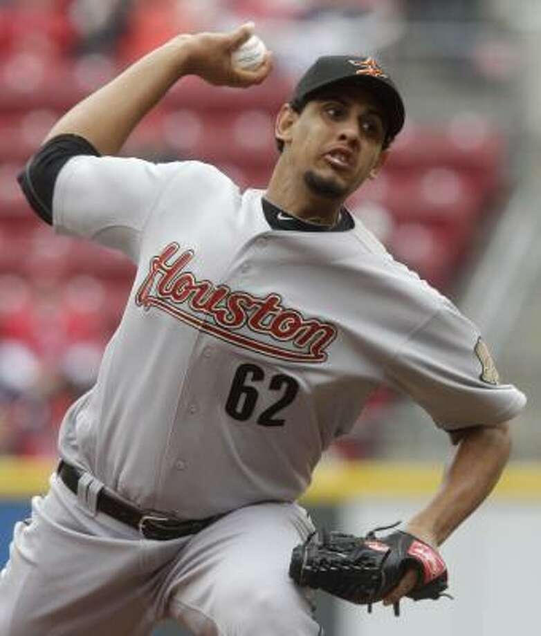 Aneury Rodriguez had three strikeouts and lowered his ERA to 4.15. Photo: Al Behrman, Associated Press