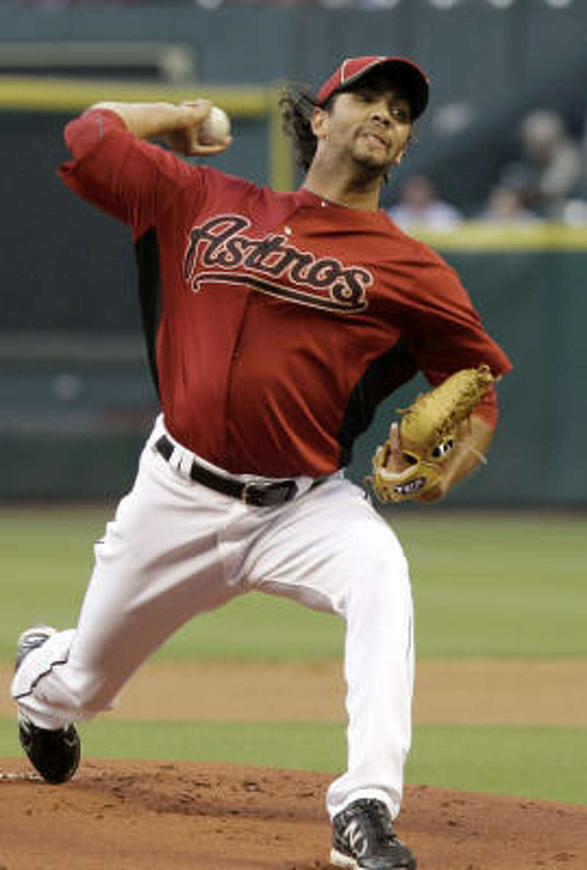 Astros pitcher Nelson Figueroa delivers a pitch during the first inning.