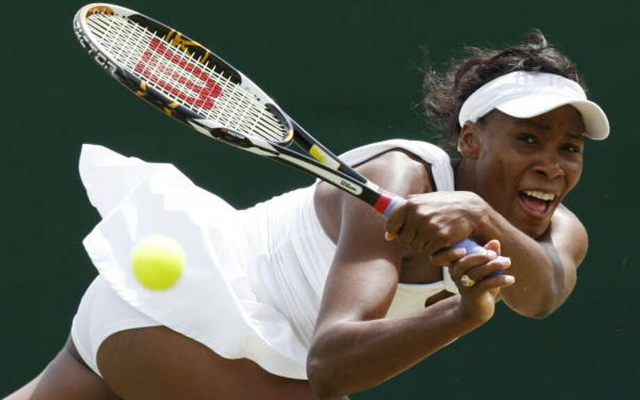 Wimbledon Williams Sisters Wow >> Jankovic Out Williams Sisters Win At Wimbledon Houston Chronicle