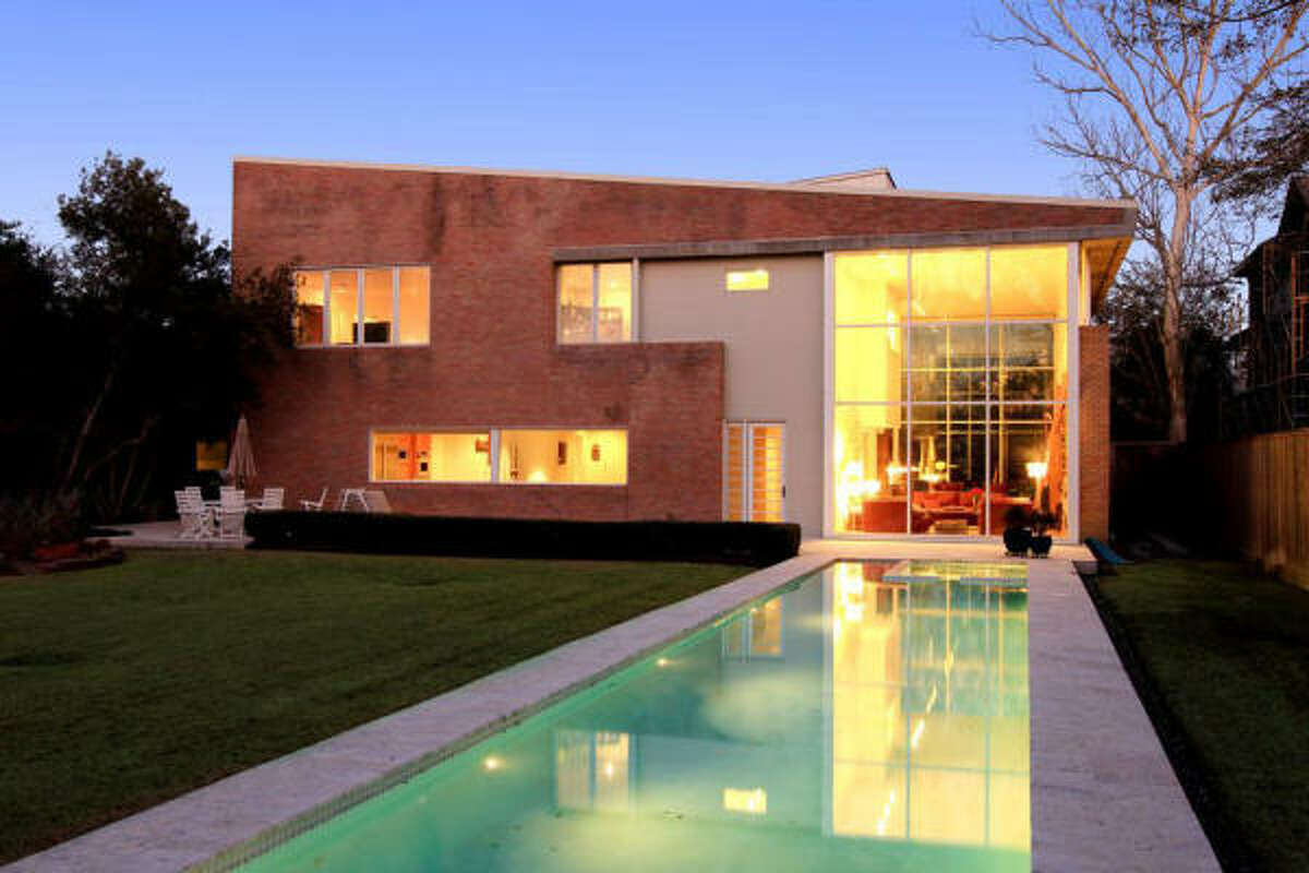 645 Mulberry, $1,779,000 Martha Turner PropertiesAgent: Hedley Karpas713-520-1981 Main