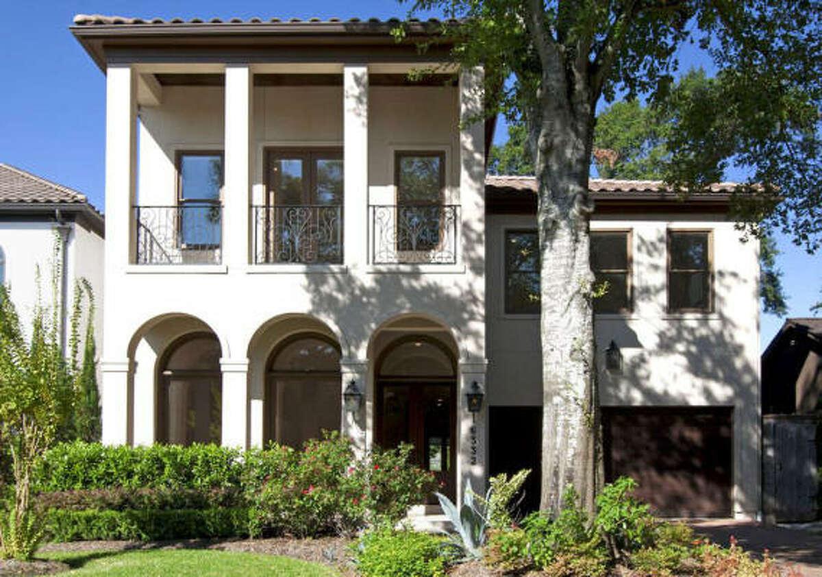 6332 Auden, $1,345,000 Martha Turner PropertiesAgent: Clare Leppert713-520-1981 Main