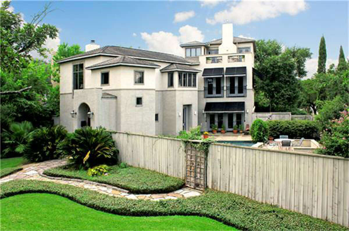 2302 Blue Bonnet Bl, $1,050,000 Martha Turner PropertiesAgent: Cathy Cagle713-520-1981 Main713-298-6190 Direct