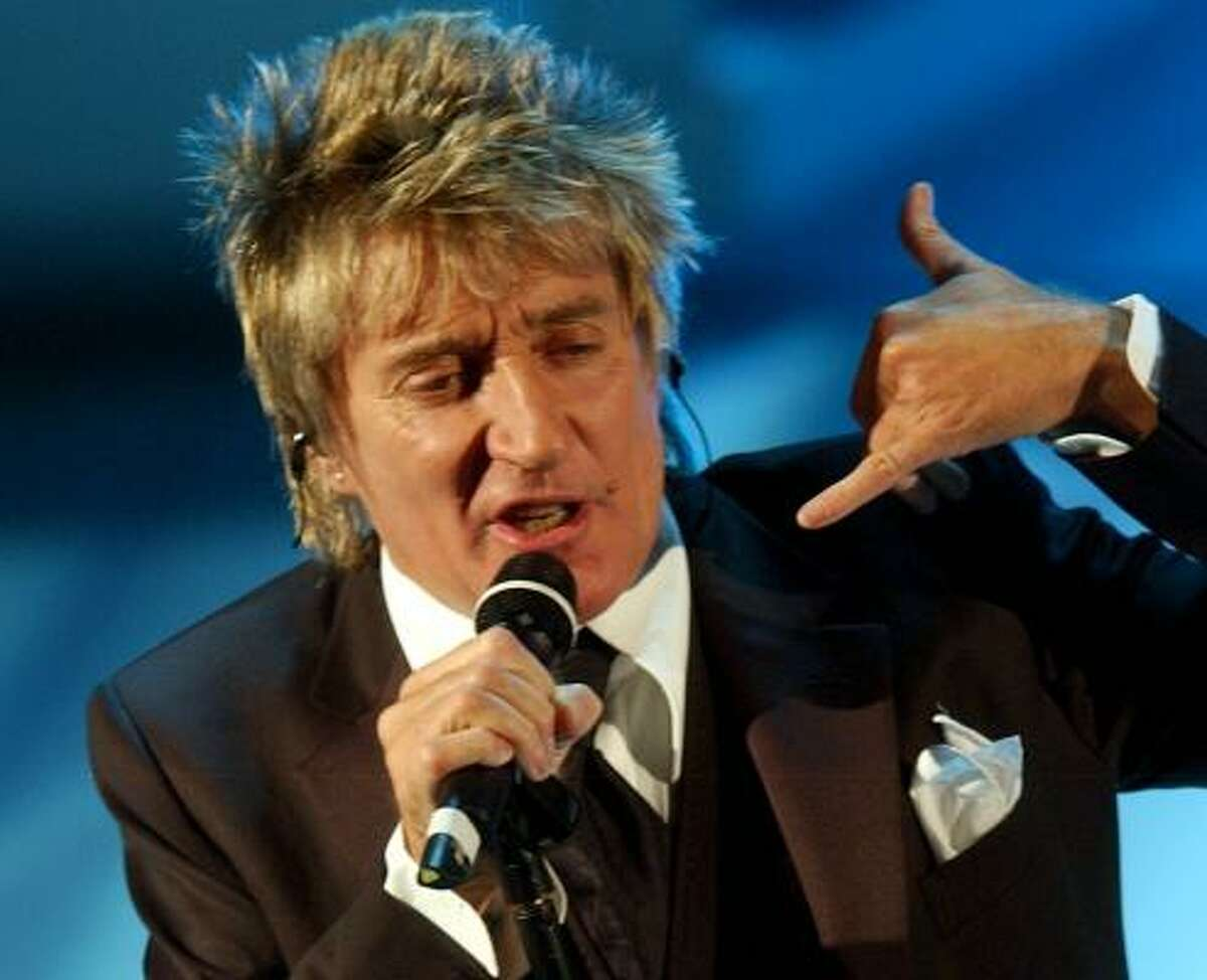 Rod Stewart : His wife just gave birth to their eighth childhref>. Sarah, Kimberly, Sean, Ruby, Renee, Liam, Alastair and Aiden