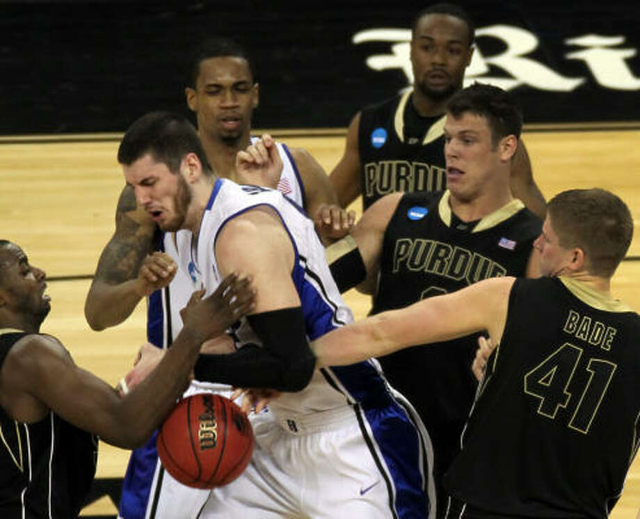 Brian Zoubek's scars are testament to his role as the 7-foot stopper in the middle of Duke's lineup. Photo: Smiley N. Pool, Chronicle