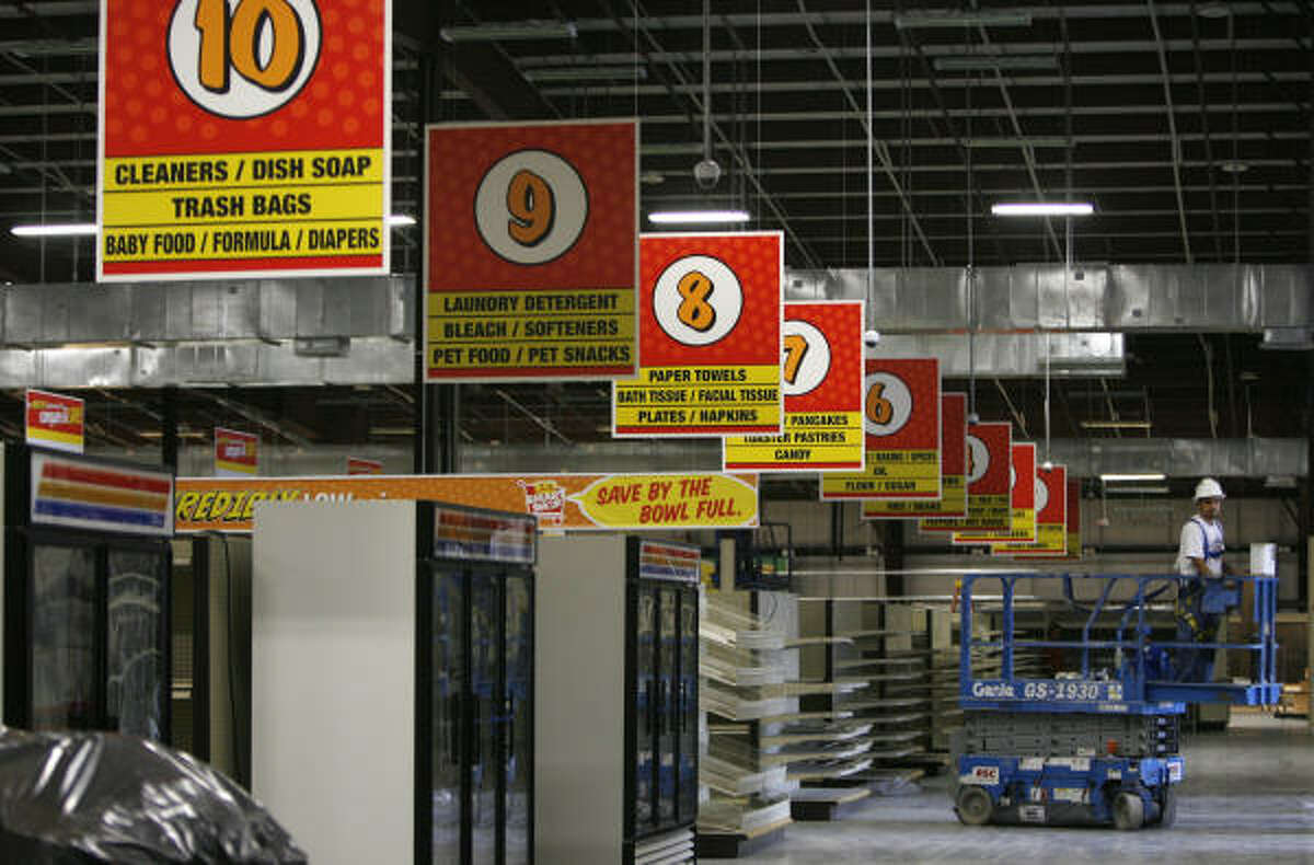 Construction is nearly done on Joe V's Smart Shop. Many traditional grocery chains such as H-E-B are focusing more on discounting.