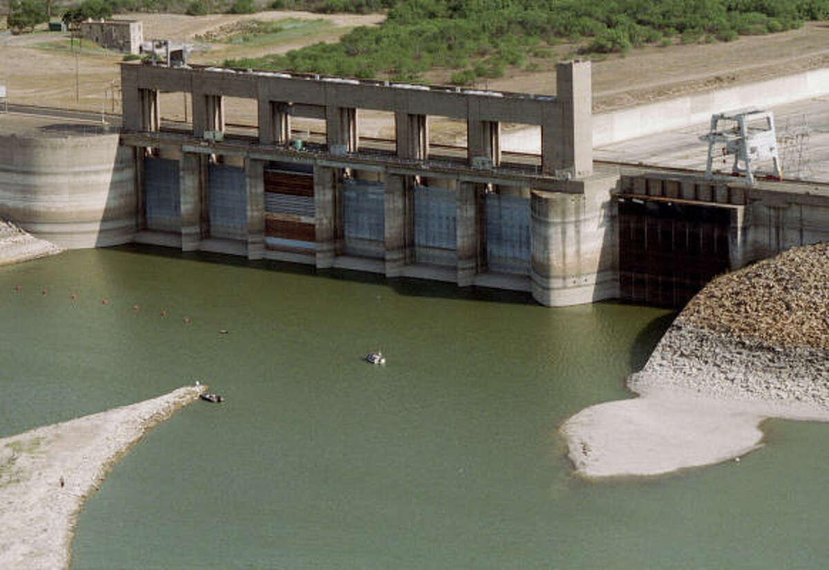 This 2001 photo shows Falcon Dam, a reservoir on the lower Rio Grande, that reportedly was threatened.