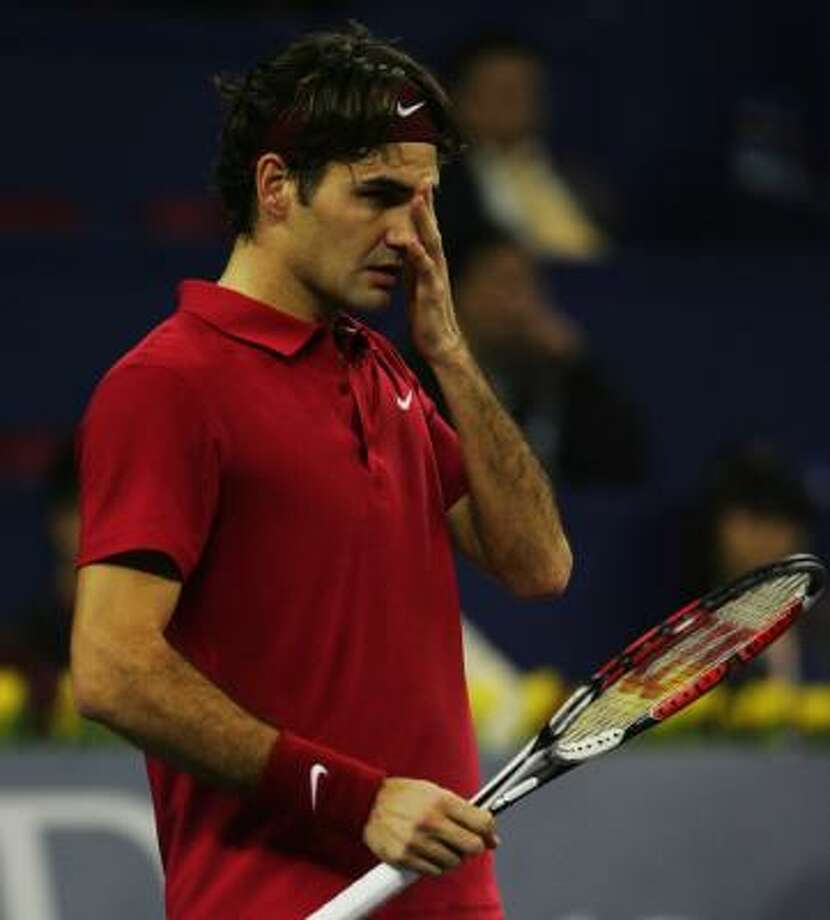 Roger Federer is dealing with his first two-match losing streak since 2003 after falling to Fernando Gonzalez on Monday. Photo: ANDREW WONG, GETTY IMAGES