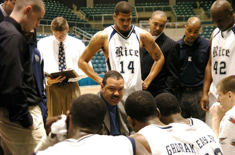Coach Willis Wilson consults with the players. He and the Owls finished the conference season winless. Photo: Kirk Sides, For The Chronicle