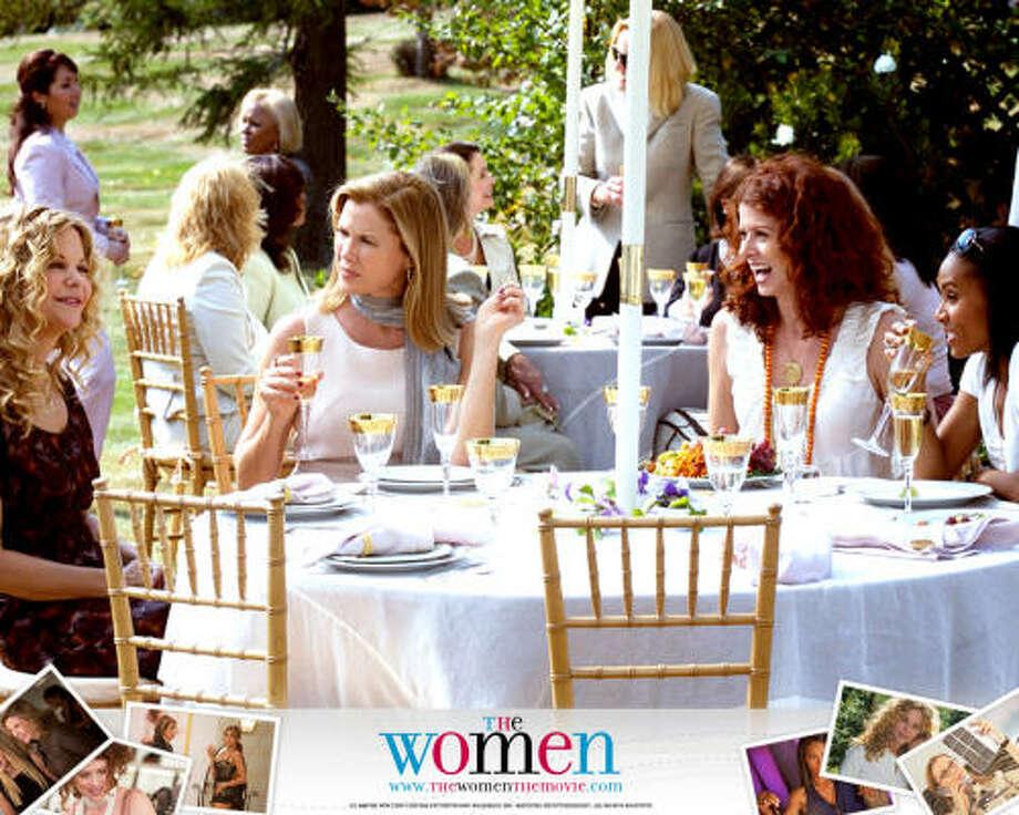 De izq. a der. las actrices Meg Ryan, Annette Bening, Debra Messing y Janda Pinkett-Smith protagonistas en The Women. Credit: Picturehouse