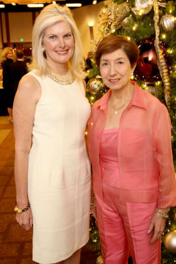 Mica Mosbacher, left, and Dr. Margaret Spitz were two of eight community leaders inducted into the inaugural Greater Houston Women's Hall of Fame. Photo: Bill Olive, For The Chronicle