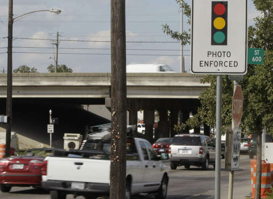 More than 800,000 tickets have been issued since Houston installed red-light cameras four years ago. Photo: AP