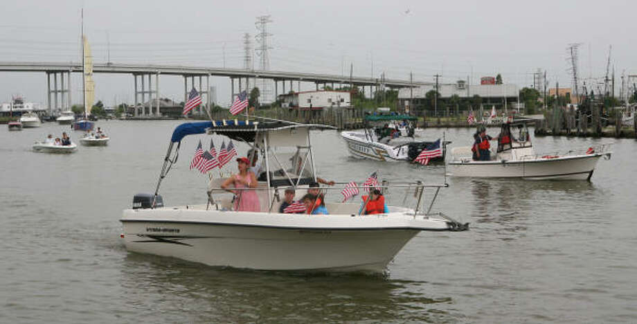 Under a bill passed by the Texas Legislature and aimed at improving the state's poor boating safety record, persons born on or after Sept. 1, 1993, must take and pass a state-approved boater education course before legally operating most powerboats and sailing craft. Photo: Chronicle File
