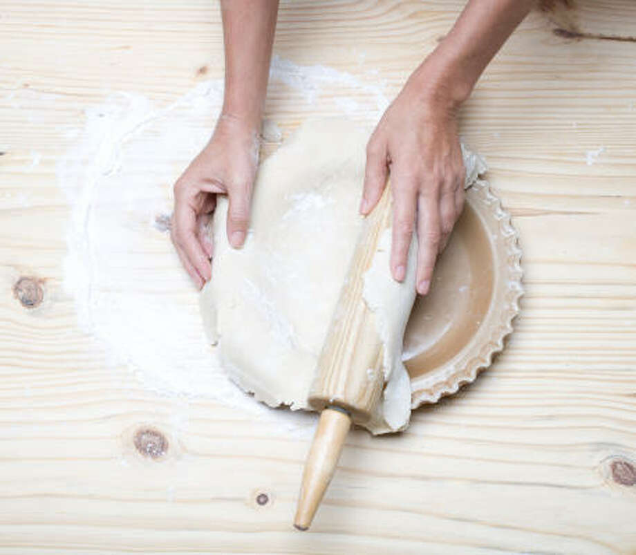 Click the numbers above to see the different steps in the pie-making process. Photo: Nick De La Torre Photos, Chronicle
