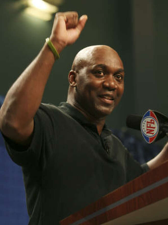 FAMOUS ALUMNI: Willowridge High School graduate Thurman Thomas is shown in 2007 making his acceptance speech during the Super Bowl XLI Pro Football Hall of Fame press conference. Photo: Nick Laham, Getty Images