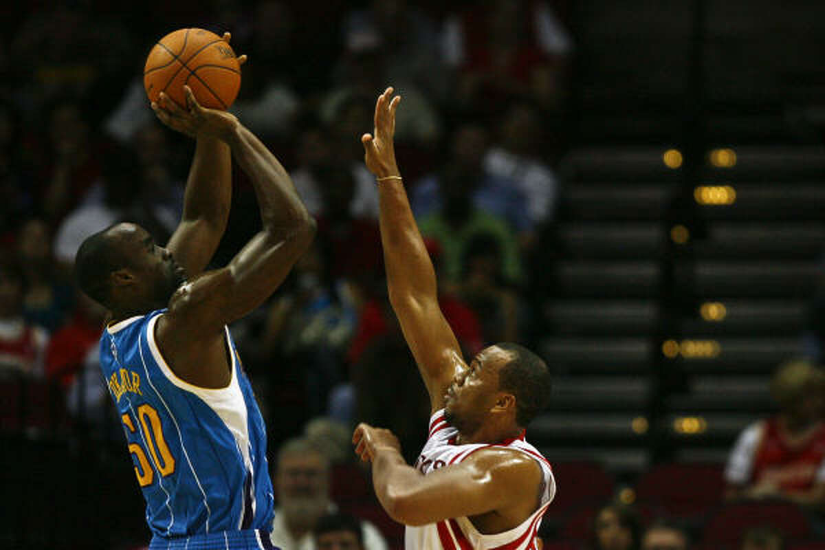 Rockets forward Chuck Hayes spent last season defending centers who held a height advantage.