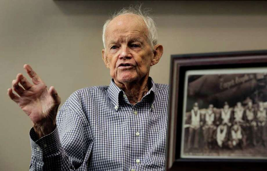 Metro daily - A veteran of three wars, Archer M. Baird started his career as a bombardier in a B-17 Flying Fortress in WWII, Wednesday, July 27, 2011.  Photo Bob Owen/rowen@express-news.net. Photo: BOB OWEN, Bob Owen/rowen@express-news.net / rowen@express-news.net