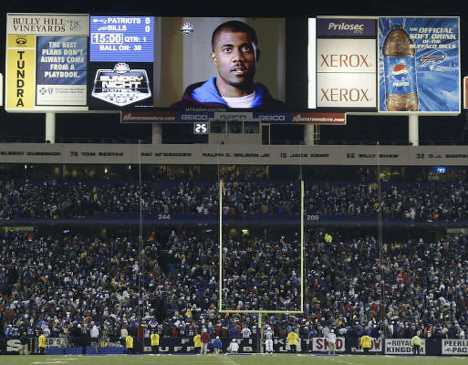 Kevin Everett of the Buffalo Bills addresses the crowd and a national television audience Sunday before the Bills played the New England Patriots in Orchard Park, N.Y. Photo: Rick Stewart, Getty Images