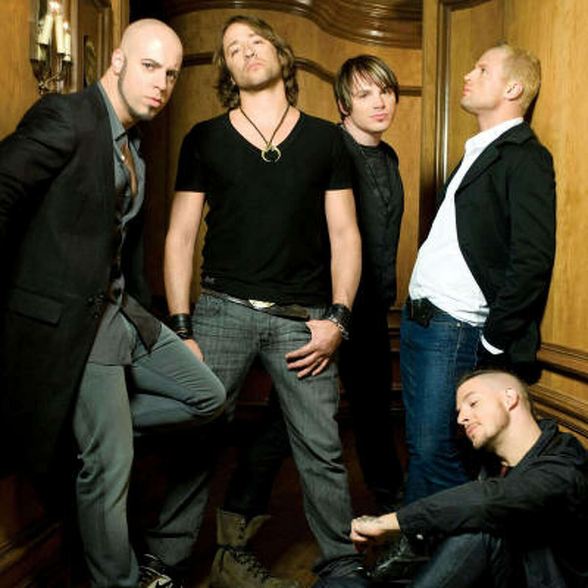 Chris Daughtry, left, sticks to what he does best on Leave This Town, his follow-up to 2006's 4-million-selling debut disc.