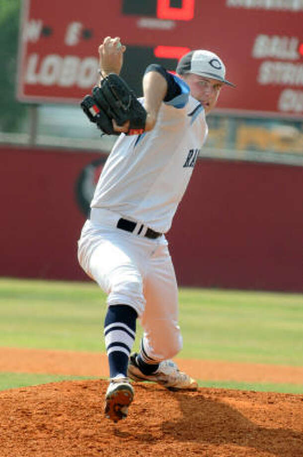 Clements pitcher Brian Hethcoat allowed one earned run on three hits with three strikeouts in his complete game. Photo: Jerry Baker, For The Chronicle