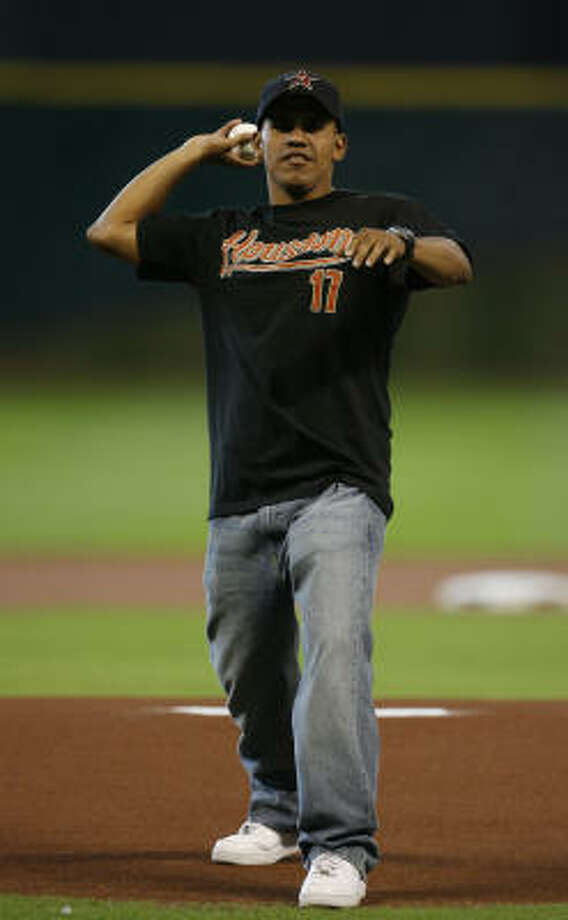 Aug. 4, 2009:Juan Diaz throws out the first pitch before the start of the Astros game vs. the San Francisco Giants at Minute Maid Park. Photo: Julio Cortez, Chronicle
