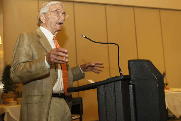 Leon Hale speaks during his 90th birthday luncheon at Brennan's, Tuesday, May 31, 2011. Photo: Karen Warren, Houston Chronicle