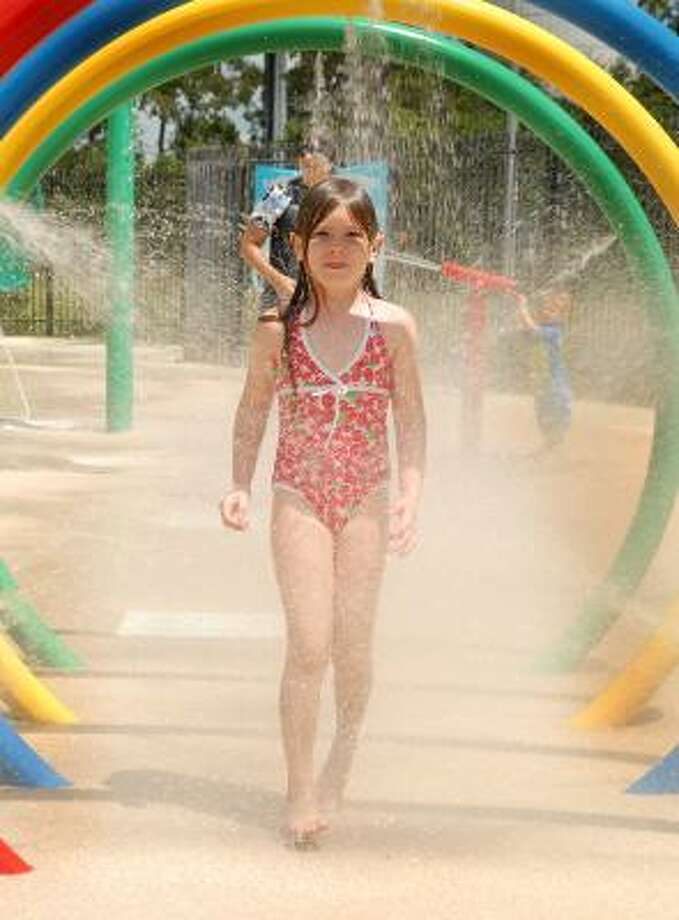 Branch Crossing YMCA Water Park: 8100 Ashlane Way, The Woodlands, TX Photo: David Hopper, For The Chronicle