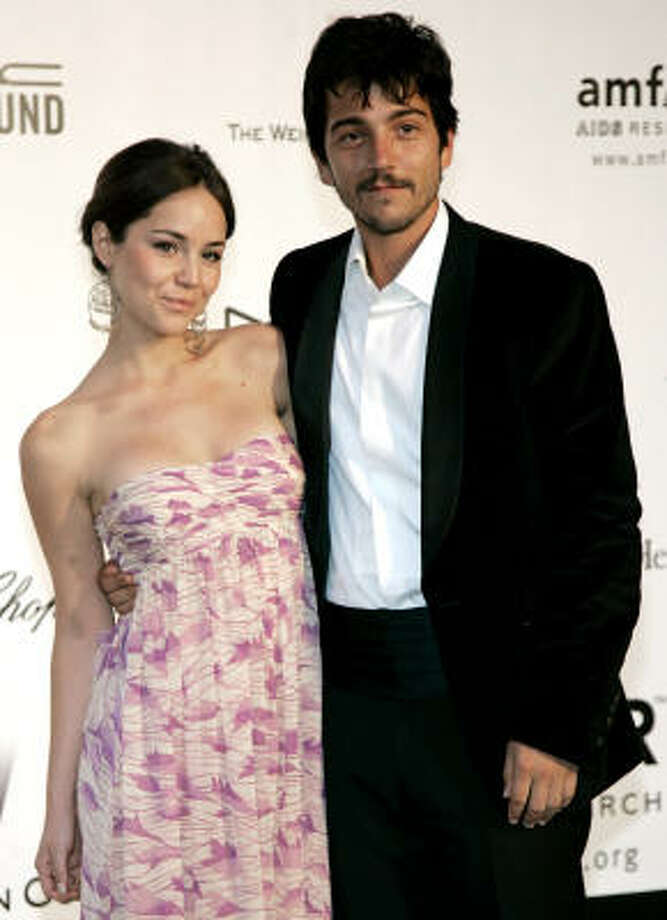 Diego Luna and Camila Sodi:Kid's name: Jerónimo Photo: Jeff Christensen, AP
