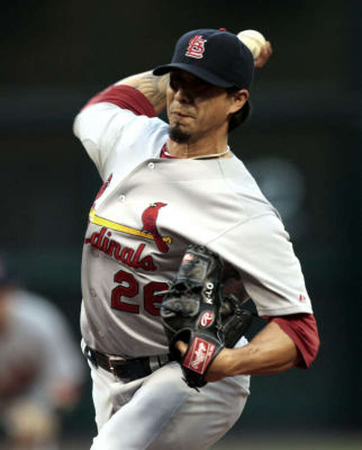 Cardinals pitcher Kyle Lohse throws in the first inning. Photo: Bob Levey, Getty Images