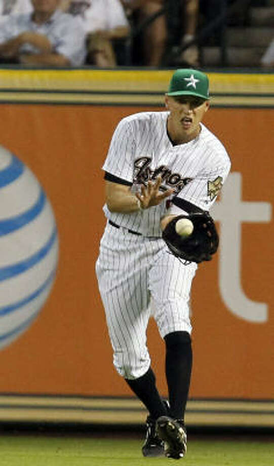 Astros right fielder Hunter Pence fields a ball. Photo: Cody Duty, Chronicle