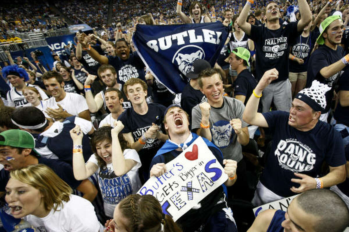 Butler and Connecticut will compete in Monday's national title game at Reliant Stadium. We give 10 early storylines for each team: