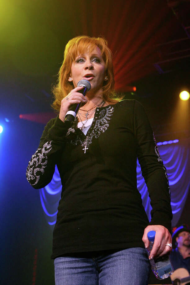Singer Reba McEntire performs during the 43rd annual Academy Of Country Music Awards All-Star Jam held at the MGM Grand Hotel/Casino on May 18, 2008 in Las Vegas, Nevada.  (Photo by Ethan Miller/Getty Images for ACMA) Photo: Ethan Miller, Hearst / 2008 Getty Images