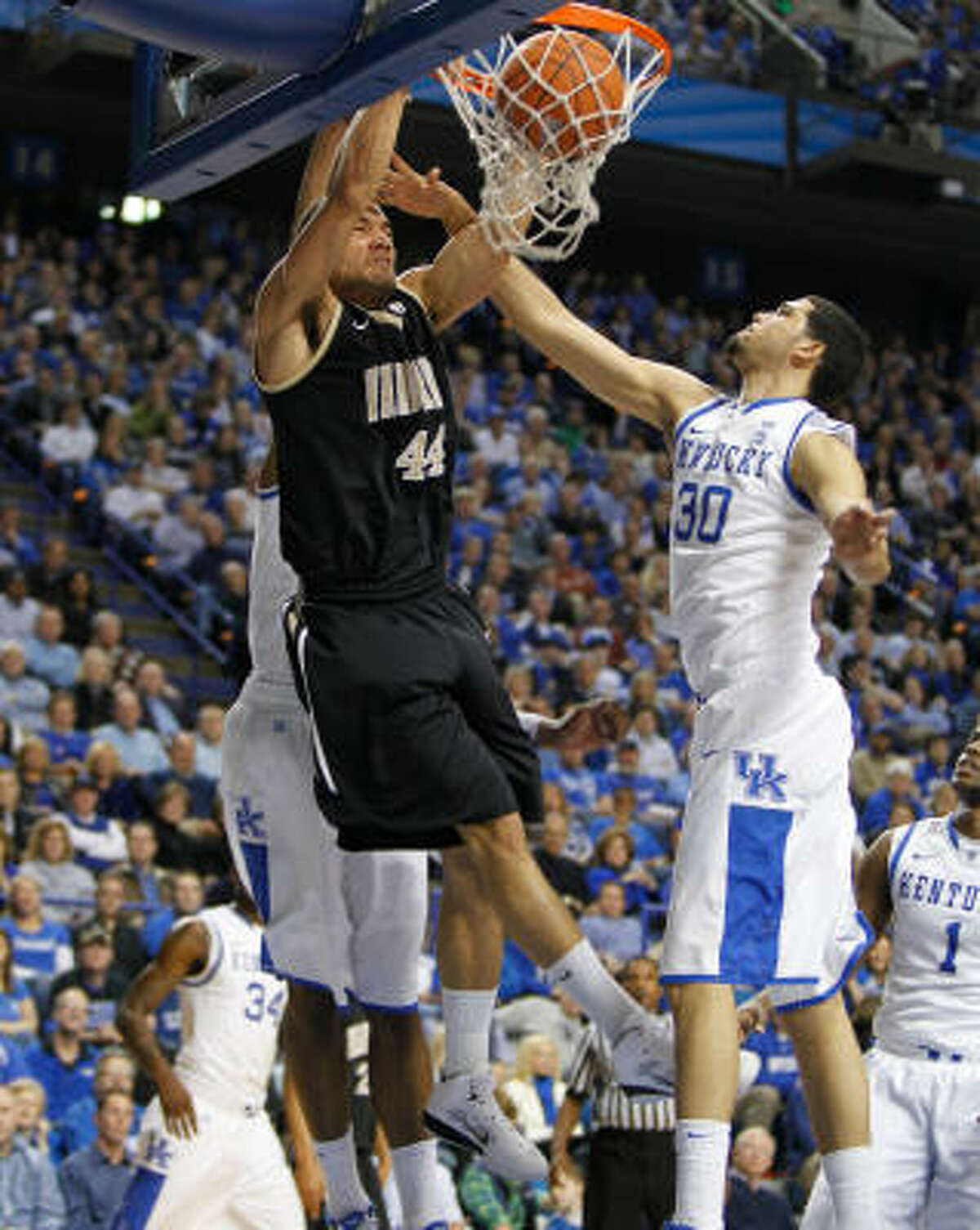 5 Vandy Commodores (23-10) . Finish and bid: 10-8, fourth place in SEC; at-large bid. . Coach: Kevin Stallings (12th season). . Best player: G John Jenkins, 6-4, So., 19.1 ppg, 3.0 rpg, 39.8 3-pt pct. . Best wins: North Carolina, vs. Kentucky. . Road to Reliant: 672 miles. . Notable: Have won at least nine SEC games in four of past five years. In last two appearances, Vandy lost to 13 seeds (Siena, 2008; Murray State, 2010).