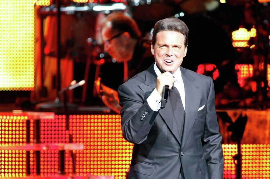 Singer Luis Miguel performs at The Colosseum at Caesars Palace on September 12, 2009 in Las Vegas, N