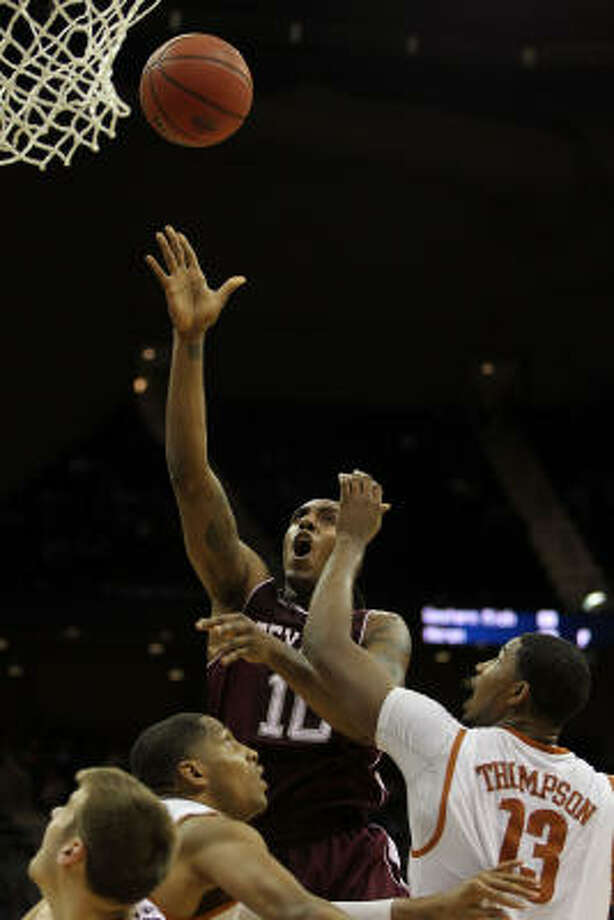 Texas A&M's David Loubeau goes up for a shot. Photo: Jamie Squire, Getty Images