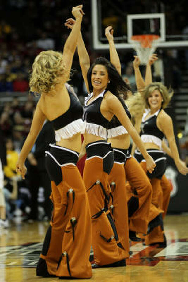 Texas Longhorns cheerleaders perform during the game. Photo: Jamie Squire, Getty Images