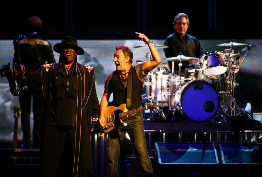 Bruce Springsteen and the E Street Band Photo: Michael Paulsen, Houston Chronicle