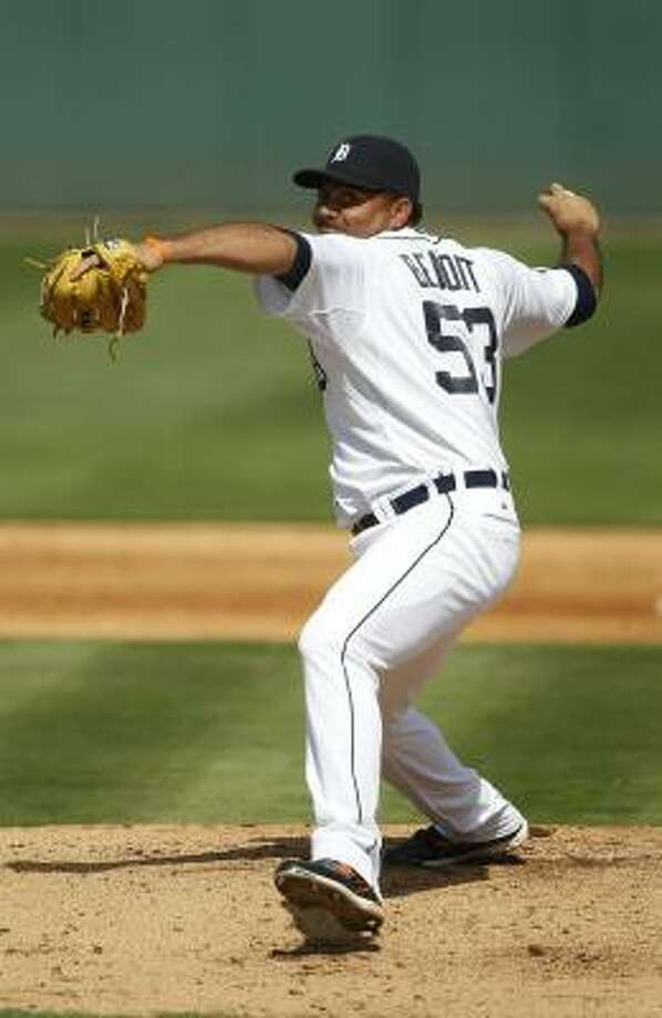 Detroit's Joaquin Benoit delivers a pitch. Photo: Leon Halip, Getty Images
