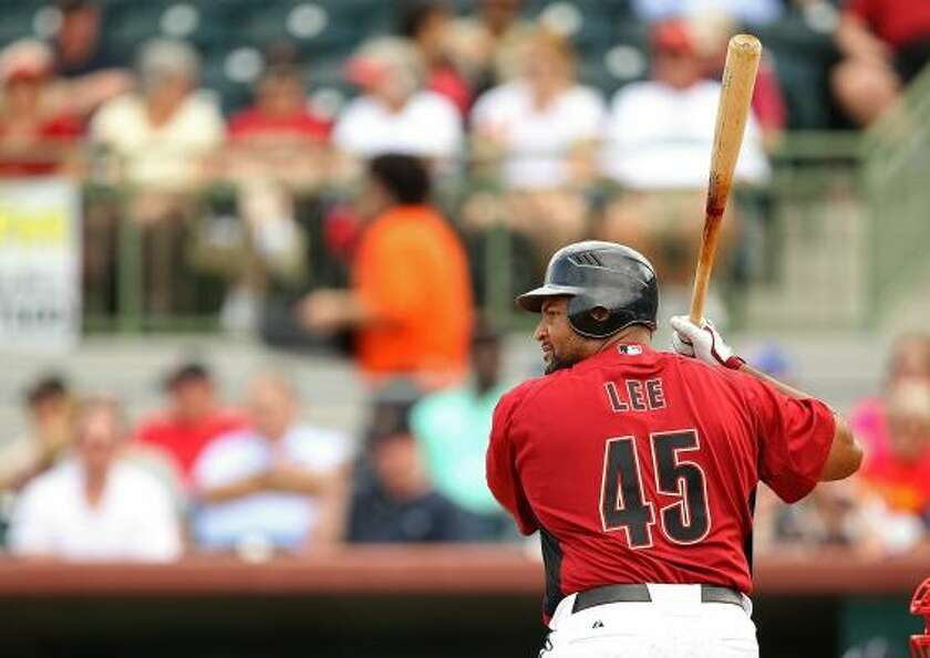 Carlos Lee and the Astros had their bats silenced by the Braves.