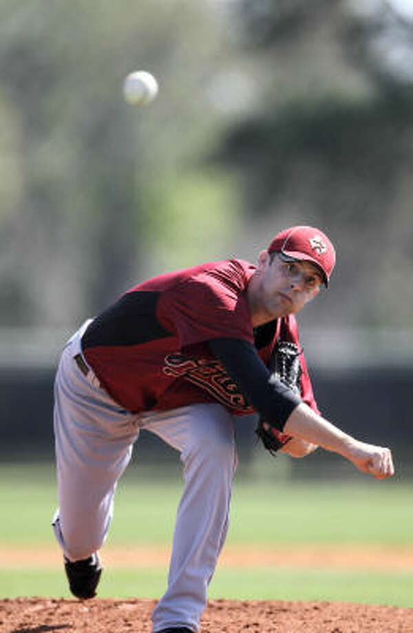 Astros pitcher Jordan Lyles delivers during the first  intrasquad game. Photo: Karen Warren, Chronicle