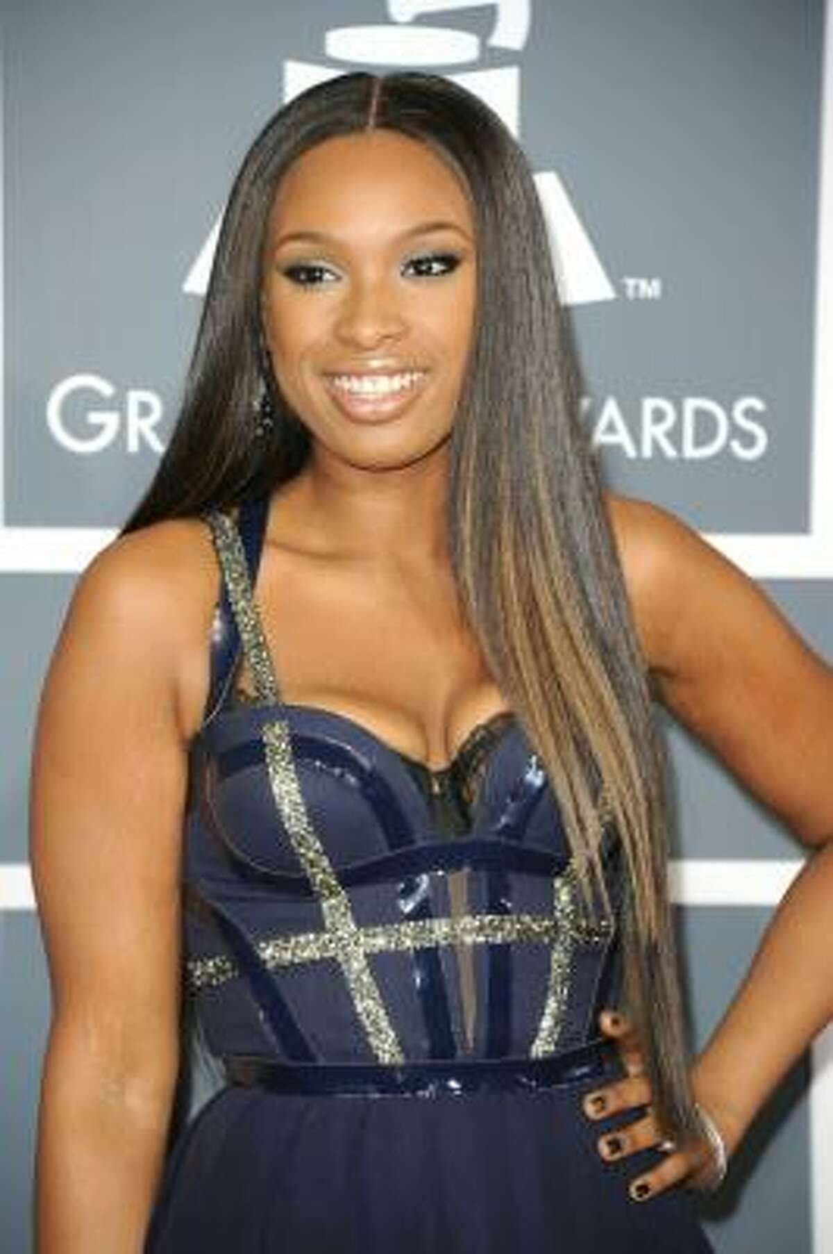 Jennifer Hudson rocking the new bod with a sweetheart of a neckline and a short-to-long hemline.