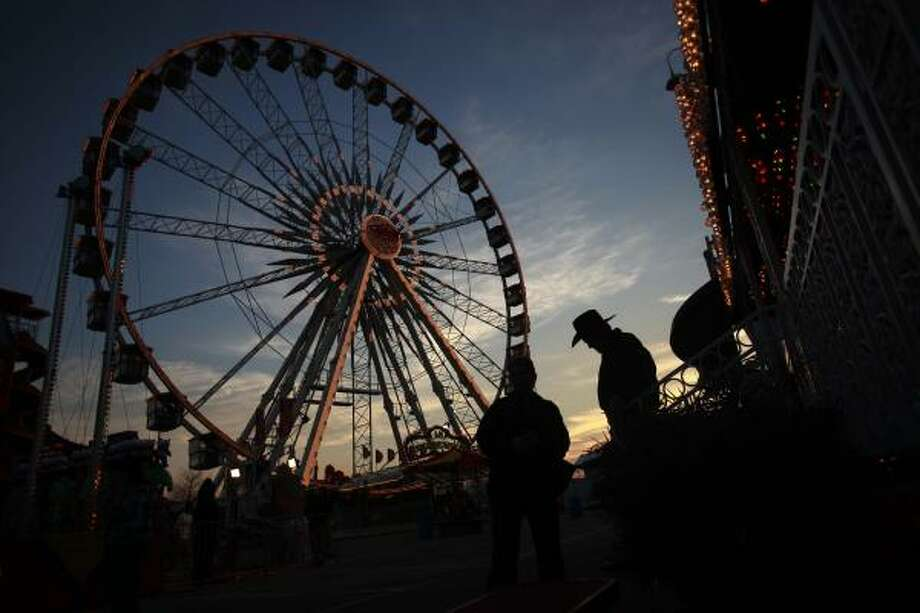 RodeoHouston Hacks and TipsFull fun for half the priceHalf-price carnival packs can be purchased through Feb. 27. The packs include ride tickets, refreshment coupons, a game coupon, and $5 show merchandise.  Photo: Mayra Beltran, Chronicle