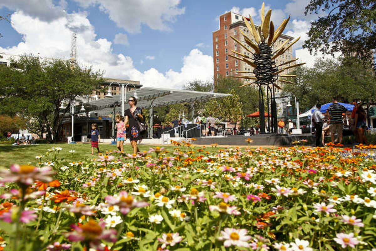 Market Square Park , the site of Houston's former City Hall, was beautifully redeveloped as a history shrine/dog park/gyro restaurant. Thank the Houston Parks and Recreation Department, the Houston Downtown Management District, and the Downtown Redevelopment Authority/TIRZ #3.