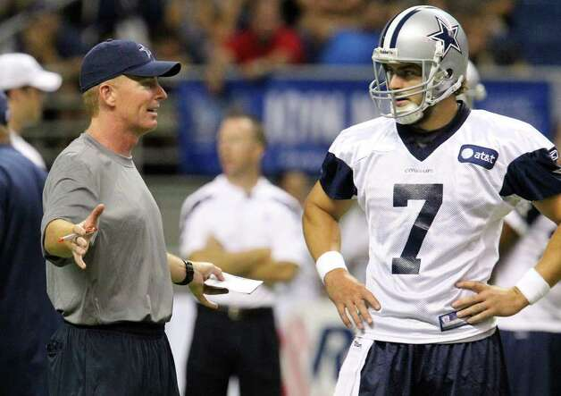 Head coach Jason Garrett (left) talks with quarterback Stephen McGee during the afternoon session of the Dallas Cowboys training camp at the Alamodome on Thursday, July 28, 2011. Kin Man Hui/kmhui@express-news.net Photo: KIN MAN HUI, : / SAN ANTONIO EXPRESS-NEWS