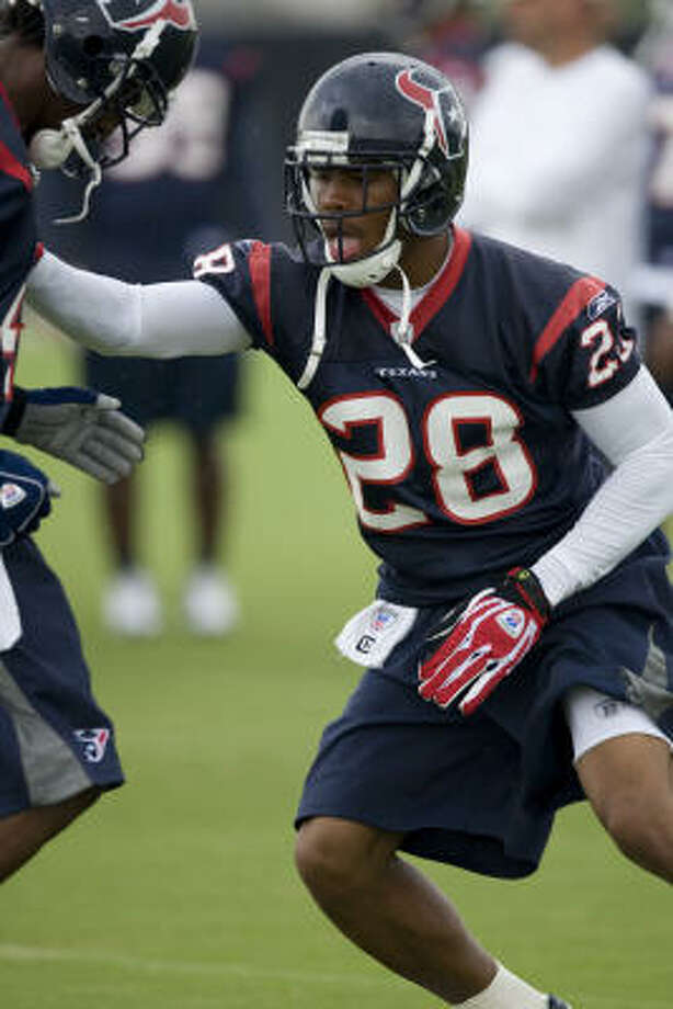 With third-round pick Antwaun Molden under contract, the Texans have one less rookie remaining unsigned heading into training camp. Photo: Brett Coomer, Chronicle