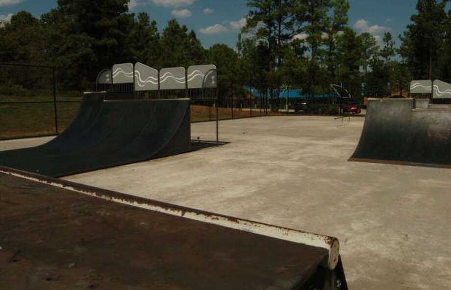 The Woodlands Community Association decided to close the skate parks at Maplewood Park in Grogan's Mill, Cattail Park in Cochran's Crossing and Tallowberry Park in Panther Creek. Crews have removed skate park equipment from those parks similar to this equipment at Lakeside Park in The Woodlands. Photo: David Hopper, For The Chronicle