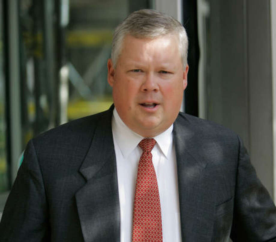 Rick Causey, 46, is the seventh ex-Enron executive to be incarcerated. Photo: DAVID J. PHILLIP, AP File