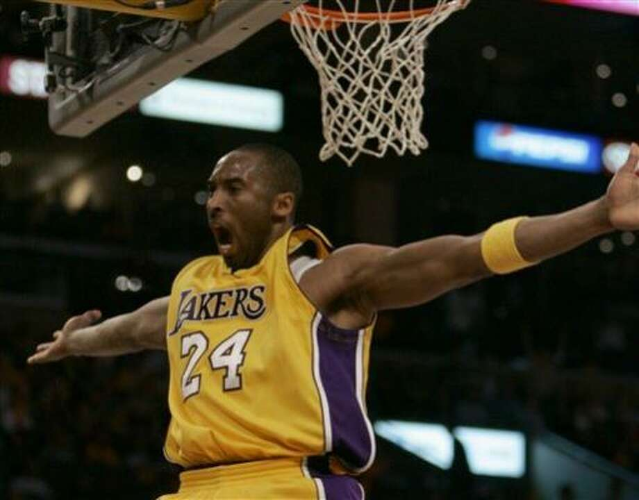 Kobe Bryant displays his playoff intensity during the Lakers' Game 3 win over the Suns. Photo: Chris Carlson, AP